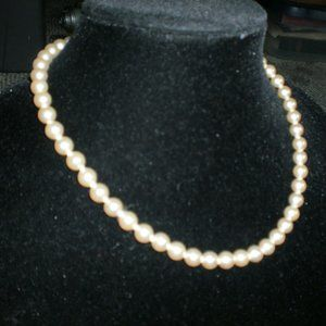 Vintage Jewelry - Vintage Glass Pearls Ivory Color 1.2oz Necklace